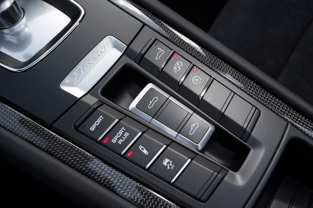 2015-porsche-boxster-gts-center-console-controls