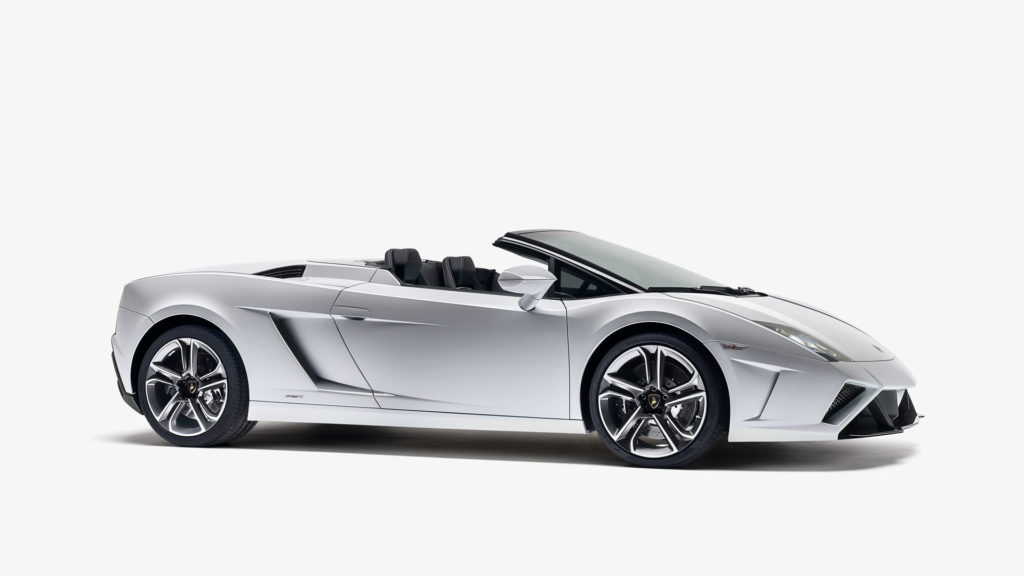 Side profile of a 2013+Lamborghini-Gallardo-LP560-4-Spyder-Nuova in Bianco-Canopus (matte white)