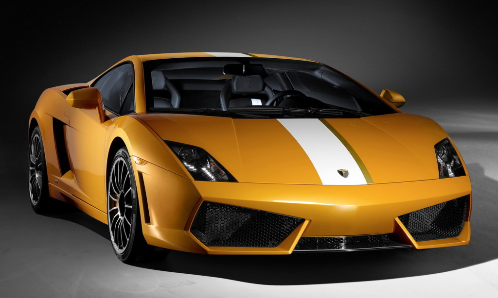 Front off-center shot of Lamborghini Gallardo LP550-2 Valentino Balboni in yellow